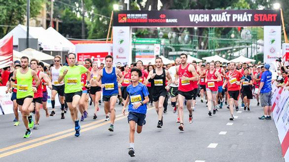 Cấm xe ra vào 8 tuyến đường lớn phục vụ giải Marathon quốc tế TP.HCM 2019 - Ảnh 1.