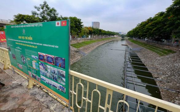 Chủ tịch Hà Nội nói giám đốc Sở Tài chính phát biểu sai về giá nước nhà máy nước sông Đuống - Ảnh 1.