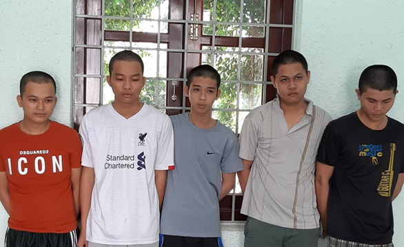Bắt 9 thanh niên đập phá quán nước vùng quê đòi tiền bảo kê - Ảnh 1.