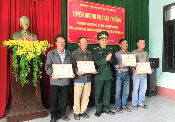 Khởi tố vụ án ma túy đá trôi dạt biển Quảng Trị - Ảnh 2.