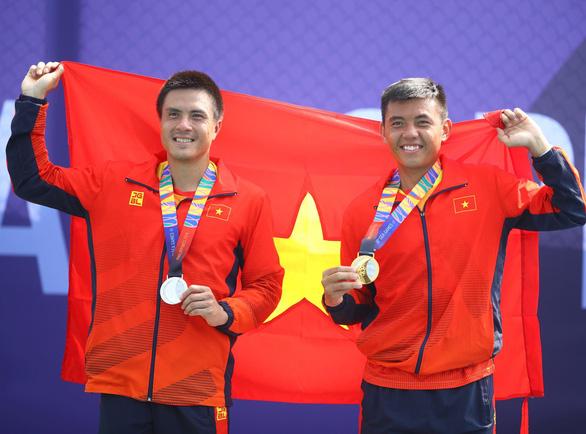 Đánh bại Daniel Nguyễn, Hoàng Nam đoạt huy chương vàng đơn nam quần vợt SEA Games 2019 - Ảnh 1.
