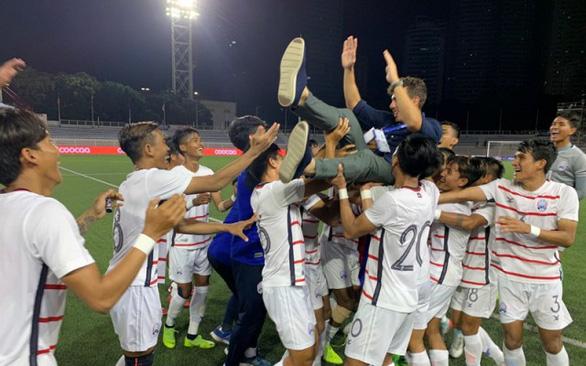HLV U22 Campuchia dặn dò cầu thủ: Hãy nghĩ về tấm huy chương vàng - Ảnh 1.