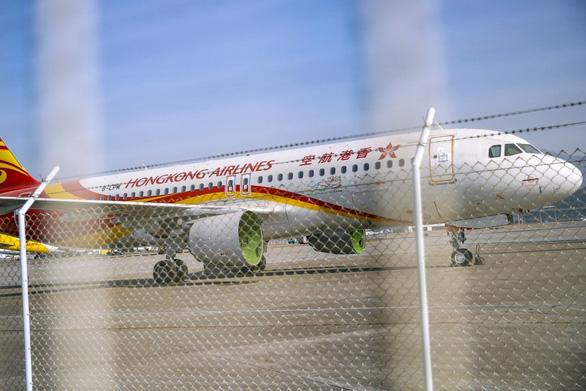 Hãng bay Hong Kong Airlines sắp bị xóa sổ vì thua lỗ do biểu tình - Ảnh 1.