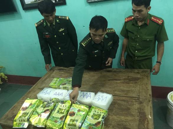 Khởi tố vụ án ma túy đá trôi dạt biển Quảng Trị - Ảnh 1.