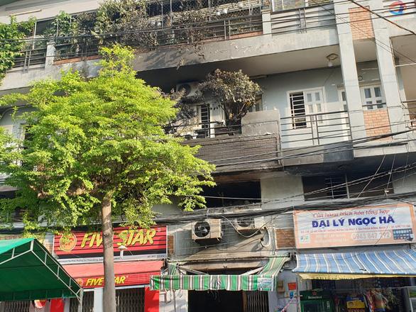 Cháy đau lòng ở quận 7 lúc rạng sáng, 3 người thiệt mạng - Ảnh 4.