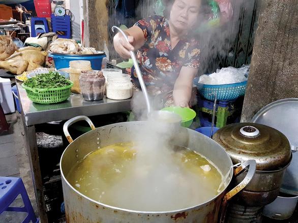 Không gian phở Hà Nội: Biên niên sử phố phường - Ảnh 6.