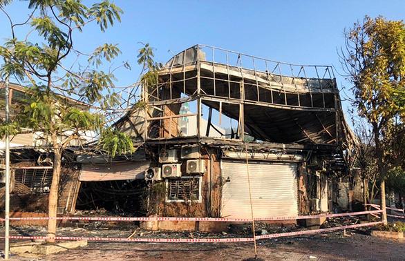 4 người chết trong nhà hàng cháy đều là nhân viên từ 17-21 tuổi - Ảnh 1.