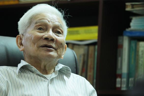 Con trai GS Hoàng Tụy: Nhớ Ba - người cha, người thầy, đồng nghiệp - Ảnh 6.