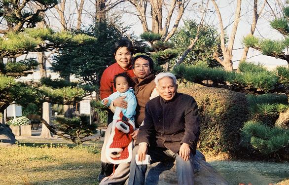 Con trai GS Hoàng Tụy: Nhớ Ba - người cha, người thầy, đồng nghiệp - Ảnh 1.