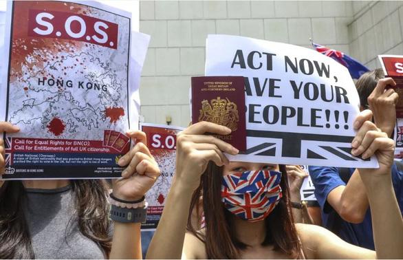Dân Anh muốn cho người Hong Kong, còn hơn là người châu Âu, đến Anh sống - Ảnh 1.