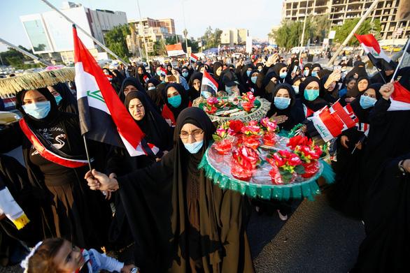 Người biểu tình bị vây bắn tàn bạo, 19 thiệt mạng, 70 bị thương - Ảnh 2.
