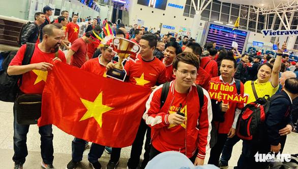 Vietnam Airlines tăng 6 chuyến đến Philippines tiếp lửa U22 Việt Nam - Ảnh 1.