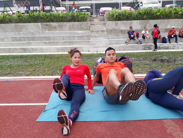 Vận động viên đi bộ khốn khổ vì đường đua tại SEA Games 30 - Ảnh 1.