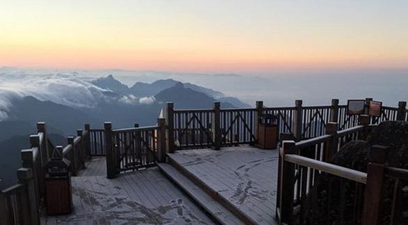 TP.HCM ấm dần lên, vùng núi cao phía Bắc tiếp tục có sương muối - Ảnh 1.