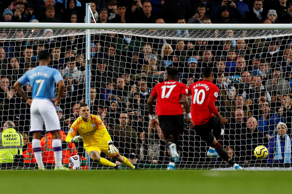 M.U gây sốc, quật ngã M.C trong trận derby Manchester - Ảnh 1.