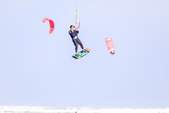 Ninh Chữ - điểm đến của lướt ván diều quốc tế - Ảnh 4.