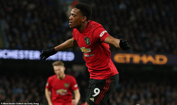 M.U gây sốc, quật ngã M.C trong trận derby Manchester - Ảnh 2.