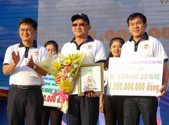 Hơn 1.500 vận động viên đi bộ đồng hành ủng hộ quỹ Vì người nghèo - Ảnh 3.
