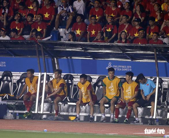 Quang Hải làm gì trong trận thắng U22 Campuchia 4-0? - Ảnh 4.