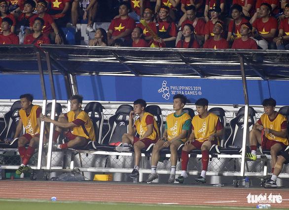 Quang Hải làm gì trong trận thắng U22 Campuchia 4-0? - Ảnh 5.