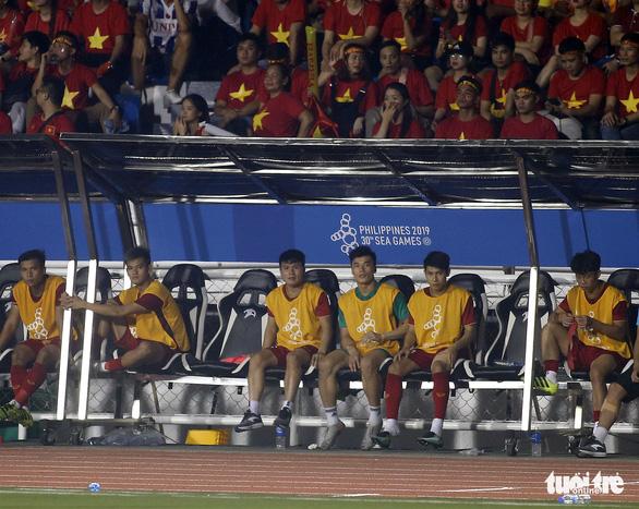 Quang Hải làm gì trong trận thắng U22 Campuchia 4-0? - Ảnh 6.