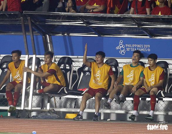 Quang Hải làm gì trong trận thắng U22 Campuchia 4-0? - Ảnh 7.