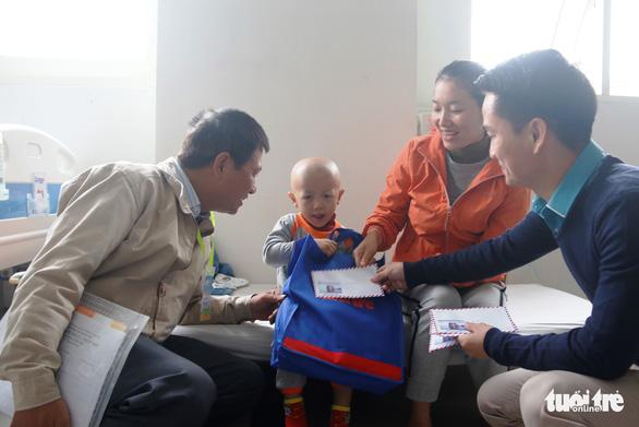 Ngày hội Hoa hướng dương ở Huế: Con ước có một bộ áo quần siêu nhân - Ảnh 3.
