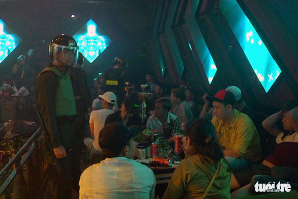 Quản lý quán bar lo luôn phần bán ma túy cho khách đến chơi - Ảnh 2.