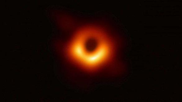 Sóng hấp dẫn, hố đen và những bước tiến khoa học 10 năm qua - Ảnh 4.