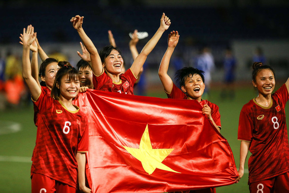 Đội tuyển nữ Việt Nam được thưởng hơn 10 tỉ đồng sau khi vô địch SEA Games 30 - Ảnh 1.
