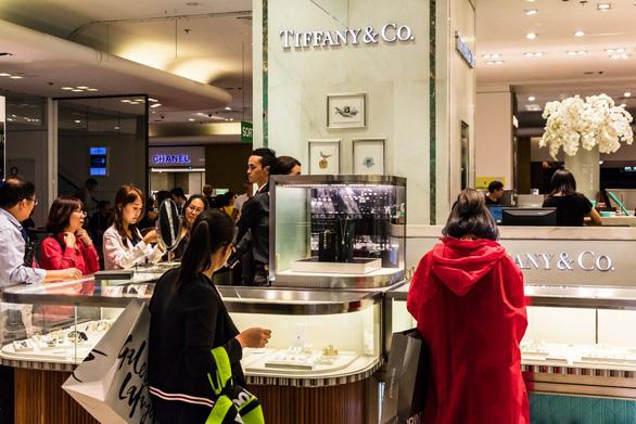 Du học sinh nhà giàu Trung Quốc: mua Apple Watch cho cún cưng, ở căn hộ 105 triệu USD - Ảnh 1.