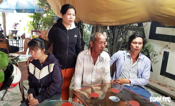 Một người đàn ông bị trúng đạn chết ở huyện Bình Chánh - Ảnh 2.