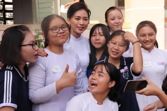 Nữ diễn viên Lana Condor: Nguồn gốc Việt là nền tảng để tôi vươn đến thành công - Ảnh 4.