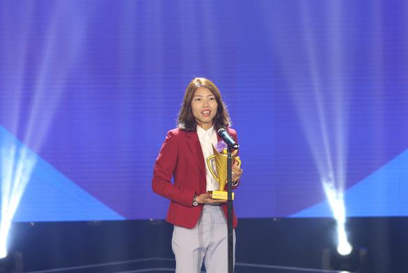 Quang Hải giành danh hiệu VĐV nam của năm - Cup Chiến thắng 2018 - Ảnh 2.