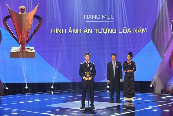 Quang Hải giành danh hiệu VĐV nam của năm - Cup Chiến thắng 2018 - Ảnh 3.