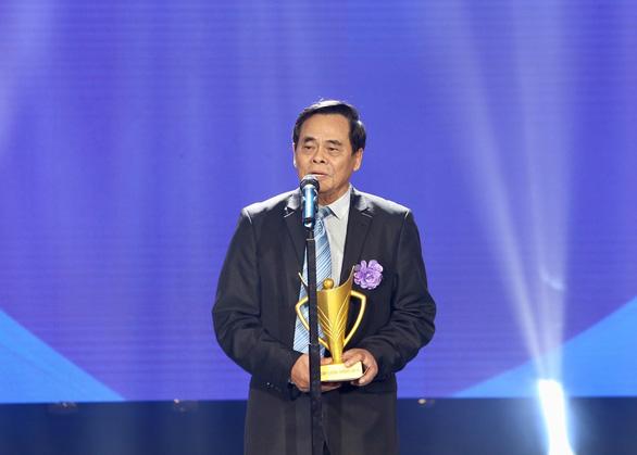 Quang Hải giành danh hiệu VĐV nam của năm - Cup Chiến thắng 2018 - Ảnh 6.