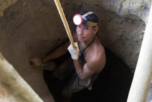 Ở Venezuela, đi đào vàng dễ sống hơn - Ảnh 2.
