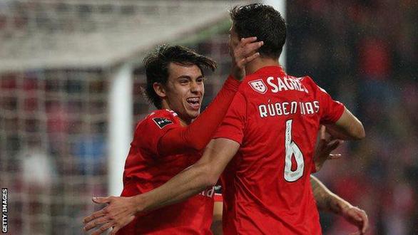 Thắng 10-0, Benfica đi vào lịch sử Bồ Đào Nha - Ảnh 2.