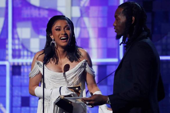 Lady Gaga giành 3 giải Grammy, bà Michelle Obama bất ngờ xuất hiện - Ảnh 6.
