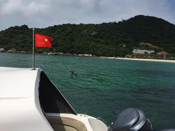 Sau vụ nhồi khách, Hội An lo thay đội tàu kém chất lượng ra Cù Lao Chàm - Ảnh 1.