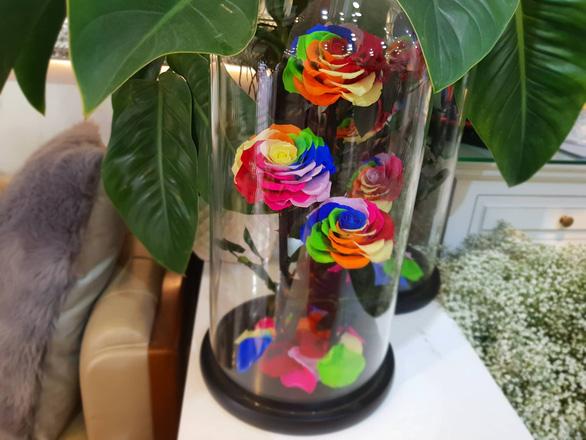 Hoa ăn được hút khách dịp Valentine - Ảnh 2.