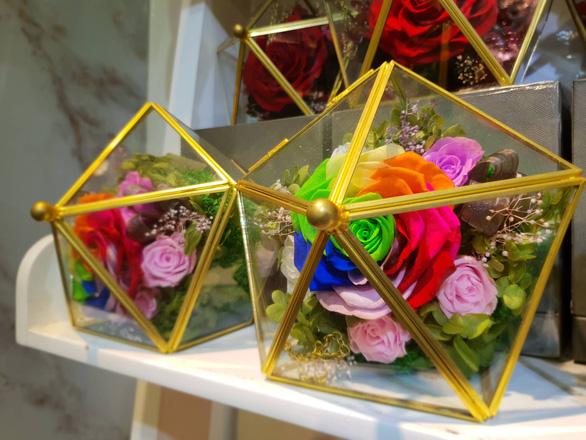Hoa ăn được hút khách dịp Valentine - Ảnh 3.