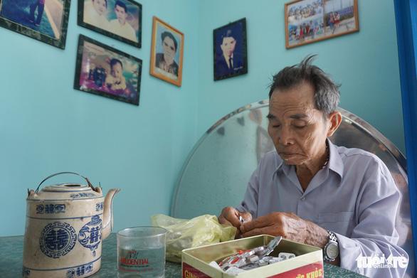 Cặp vợ chồng già 55 năm vun vén yêu thương - Ảnh 9.