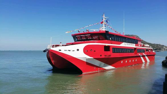 Tàu cao tốc chạy tuyến Vũng Tàu - Côn Đảo chỉ hơn 3 tiếng đồng hồ - Ảnh 1.
