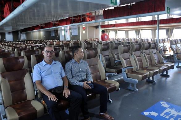 Khoang hành khách bên trong Express 36 - Ảnh: TT Online