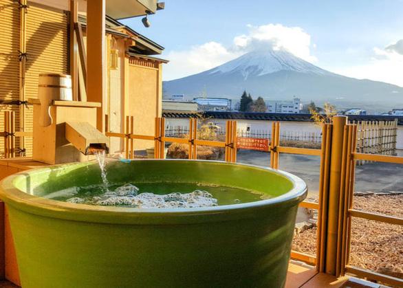 Đừng quên những điều này khi tắm onsen ở Nhật - Ảnh 2.