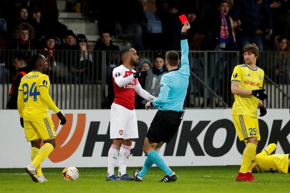 Giữ bóng 77%, có 16 cú sút, Arsenal vẫn phơi áo ở Belarus - Ảnh 2.