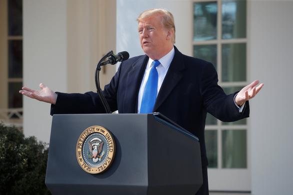 Quyết xây tường biên giới, ông Trump ban bố tình trạng khẩn cấp - Ảnh 1.