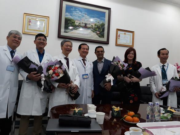Lần đầu ở châu Á, Bệnh viện 115 mổ thành công u não bằng robot thần kinh - Ảnh 1.