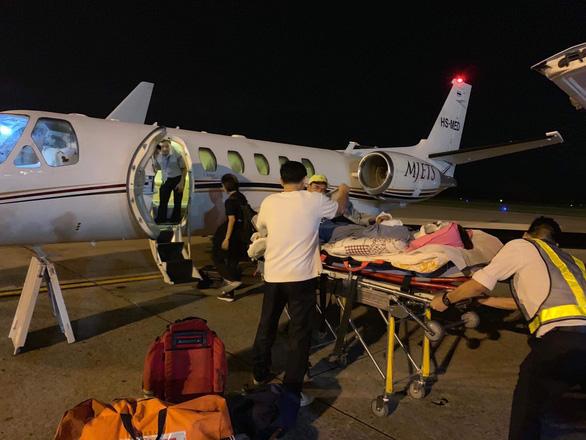 Việt kiều bị tạt axít ở Quảng Ngãi đã được  đưa ra nước ngoài chữa trị - Ảnh 1.